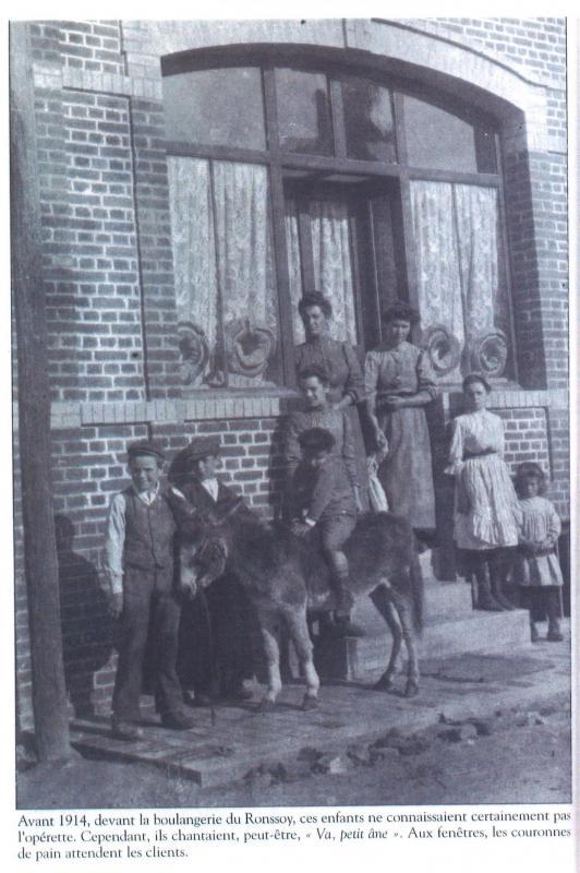 Devant la Boulangerie, avant 1914