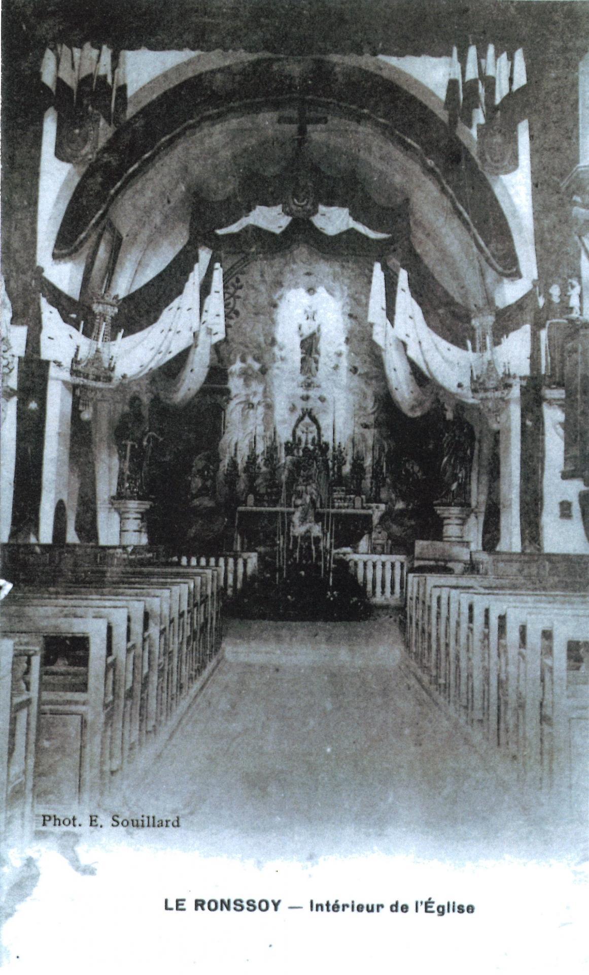 L'intérieur de l'église 1